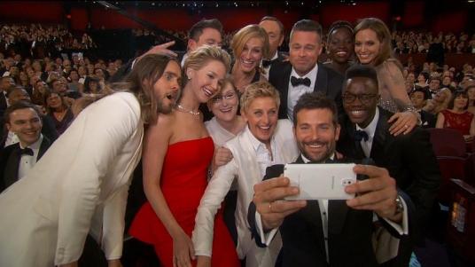 oscar-selfie-nonprofit-fundraising.jpg
